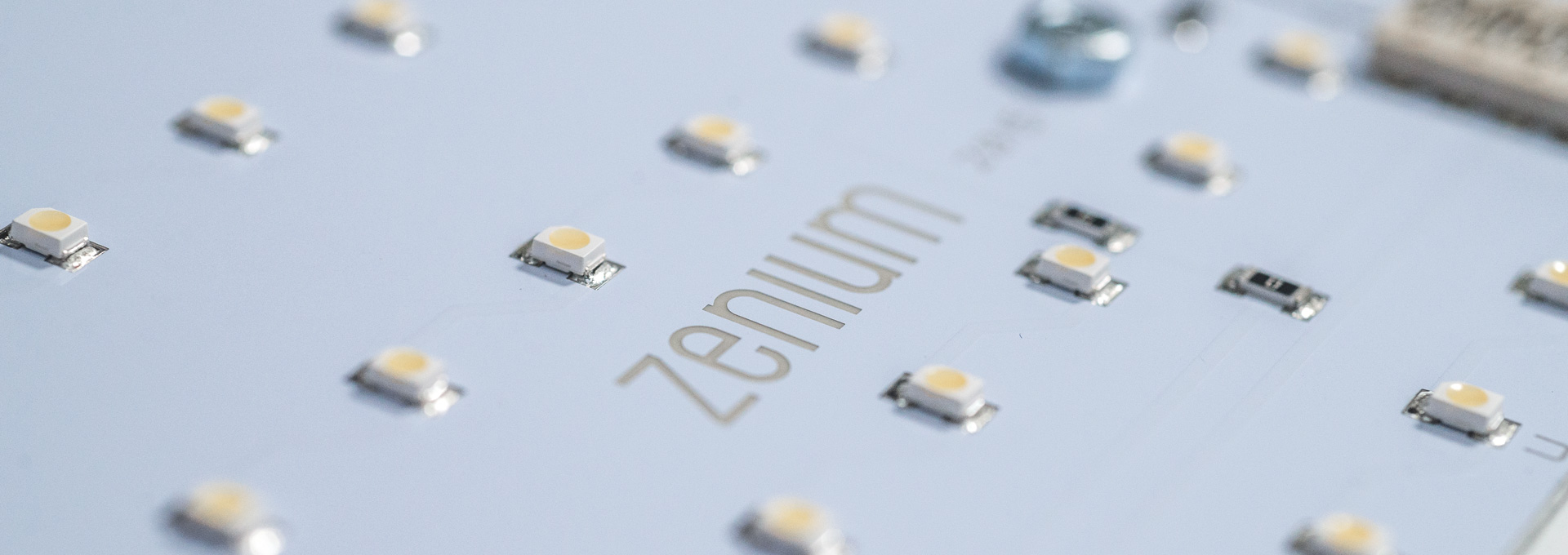 zenium fabricant de solutions d 39 clairage lumi re du. Black Bedroom Furniture Sets. Home Design Ideas